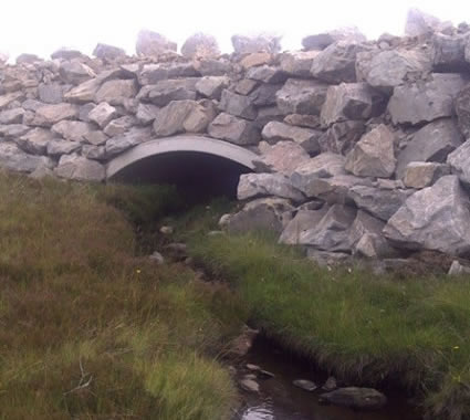 Open arch culvert protecting existing channel and habitat